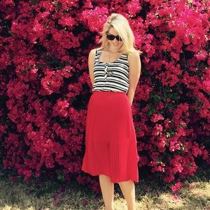 Express Cherry Red Pleated Knee-Length Skirt